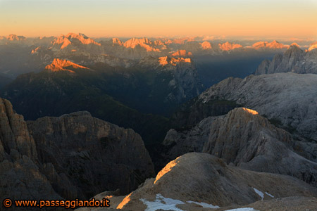 Giù per la Val delle Galline fino alle Pale di San Lucano e oltre ....