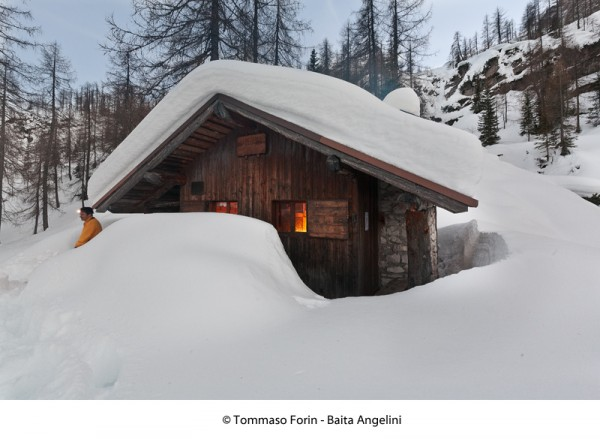 Baita Angelini nella neve